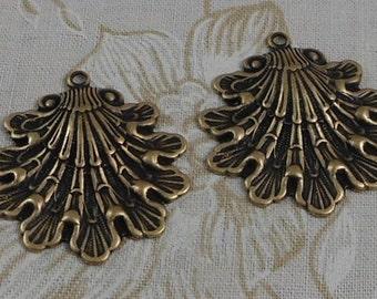 LuxeOrnaments Solid Oxidized Brass Filigree Shell Leaf Pendant (Qty 1) 32x28mm S-5144-B