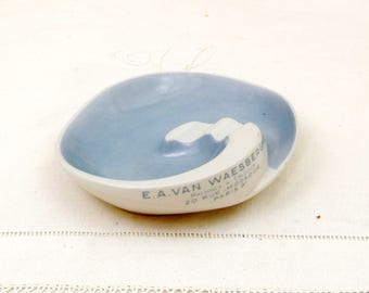 Vintage Mid Century Modern Ceramic Publicity Ashtray for Calculating Machine Shop in Paris Made by Altenkunstadt Bavaria, 1950 s Tobaccina