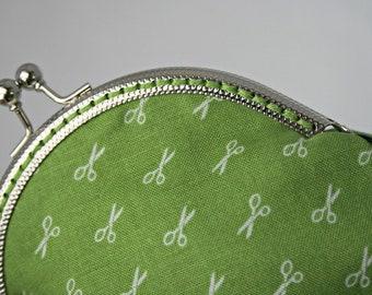 Scissors coin purse.