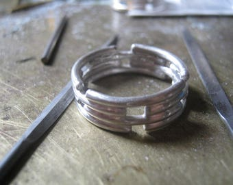 Articulated silver ring - bigger size