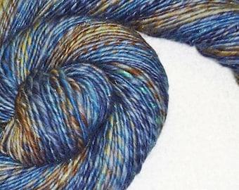 Indigo blau handgesponnenes Garn - 178 Yards - Single Ply - stricken - häkeln - Weave - Mixed-Media - Faser Kunst - Textilkunst - Lana