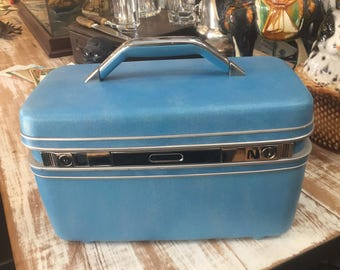 Vintage Baby Blue Samsonite Saturn Train Case