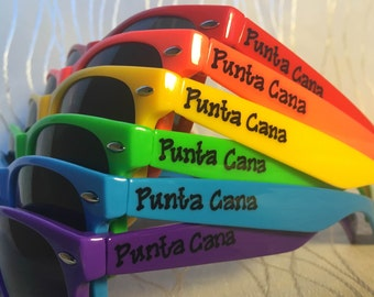 Rainbow Wedding favor personalized sunglasses for outside ceremony/reception/photo booth/beach wedding