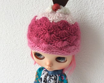 Blythe crochet cupcake hat