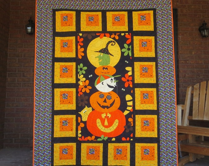 Featured listing image: Sale - Halloween Quilt