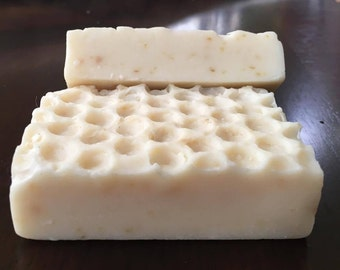 Luxurious Oats Honey Soap