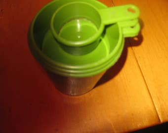 Vtg Green Stackable Measuring Cups set of 4 mid century kitchen free ship