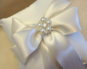 Ivory Ring Bearer Pillow - Ring Cushion - Ring Pillow Wedding - Wedding Pillow - Ringbearer Pillow - Custom Ring Pillow - 30 Ribbon Colors
