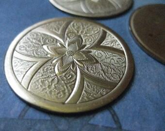 1 PC - Large Victorian Brass Medallion Pendant Finding - Z010