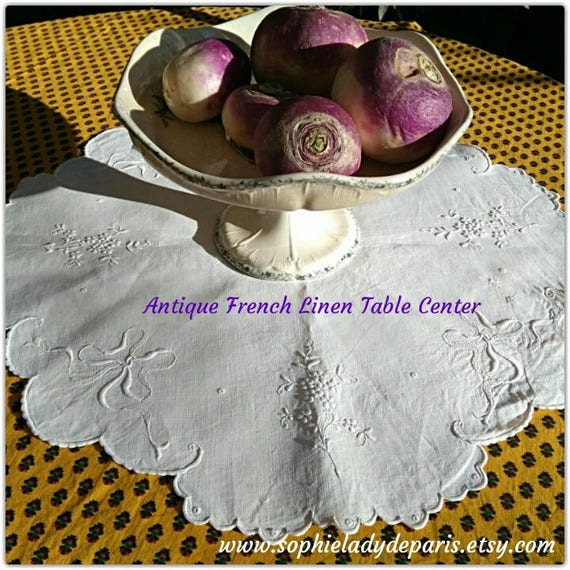 Antique French Table Center Scalloped White Linen Floral Hand Embroidered #sophieladydeparis