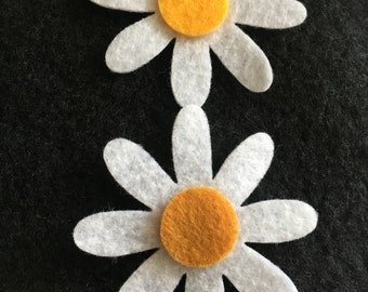Felt Daisies with Gold Floral Center-50 Die Cut Felt Daisy Flowers-DIY Crafts-Quiet Books-Flower Appliques-Planner Journal Decor-Mixed Media