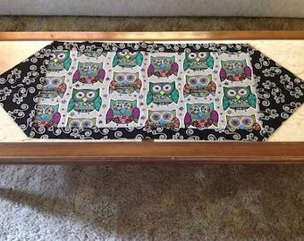 Reversible Owl Table Runner