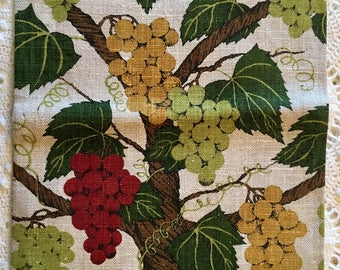 Vintage Linen Towel - Grapevine  Linen - Drying Towel - Grapes Berry Green
