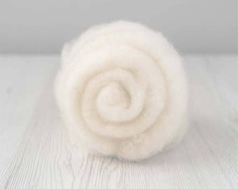 Carded Maori Wool, Natural white, 50 grams (1.75 oz)