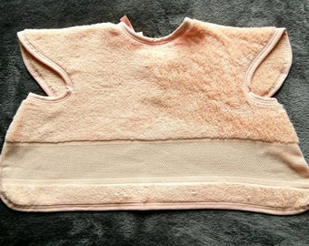 Bib covering embroidery colors: apricot