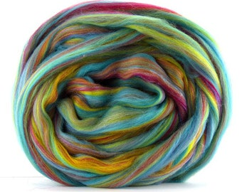 Brand New Blend ~ Over The Rainbow ~ Merino & Glitter aka Stellina Combed Top ~ 4 ounces  to Spin, Felt, Create Fiber Art