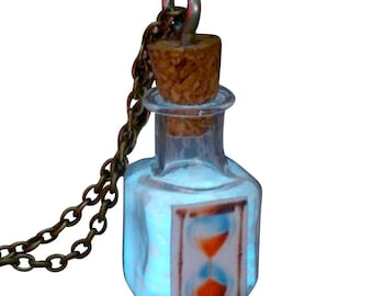 HouRGLass NecklACe Glow in the dark pendant bottle