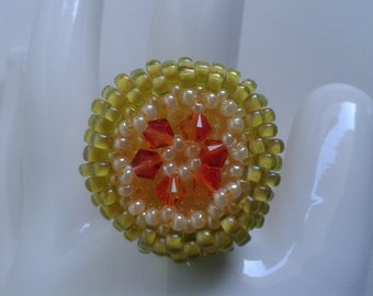 Jonquil Apricot pearl ring