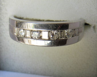 Men's 14k White Gold & Round / Baguette Diamonds - Alternating - Size 9.75 - Wedding Band