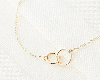 Linked Circle Necklace, Best Friend Necklace, Minimal Gold Layering Necklace, Friendship Jewelry, Gift for Mom