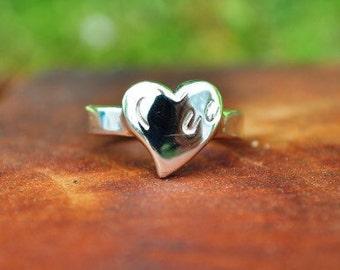 JM606SS Hoof Print on Heart Ring
