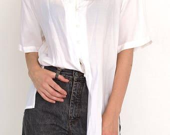 VINTAGE White GISELE RUBINSTEIN Short Sleeve Retro Shirt