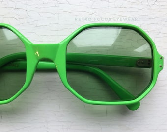French 60's Rare Green Octagon 8 sided Non Prescription Sunglasses Made in France Eyewear Glasses Eyeglasses Frames Vintage