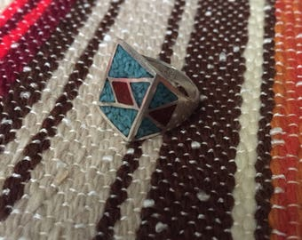 Vintage 70s geometric Turquoise and Coral chip ring