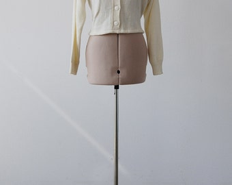 Vintage 80s Cropped Cream Sweater *Free Shipping*