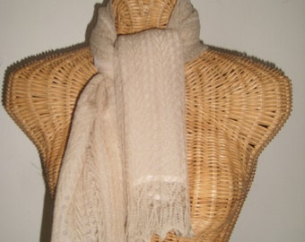 Vintage Carson Pirie Scott Tan Crochet Wool Scarf w Ruffled Edges
