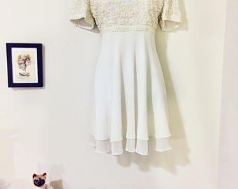 Ivory Wedding Dress/Bride Dress Size Medium-Large