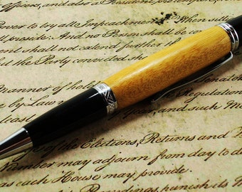 Pau Amarillo Wood Pen - Classica Style with Chrome Finish