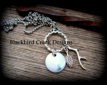 Silver Disc Necklace with Turquoise Pebbles, White Jewelry, Resin, Nature Necklace, Antler Charm, Leaf Charm, Gift for her, Rustic Necklace