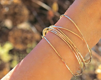 Solid Gold Bangle SET, 14k Gold bangle stack, Thin Yellow Gold Bangles,Hammered gold Bracelets, Stacking Set of 2,Set of 3,Set of 5,Set of 7