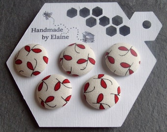 Fabric Covered Buttons - 5 x 22mm Buttons, Handmade Button, Cream Ivory Linen Off White Ruby Poppy Cherry Berry Red Leaf Retro Buttons, 2601