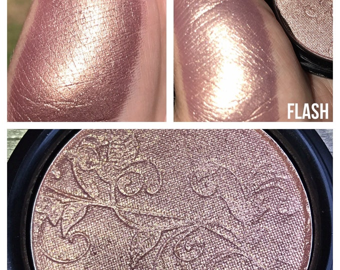 BLUSHING BRIDE - Pressed Highlighter / Blush Topper - pinky mauve with a bronze gold shift