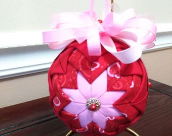 Beautiful Valentin's Day ornament / decoration  No sew quilted ball