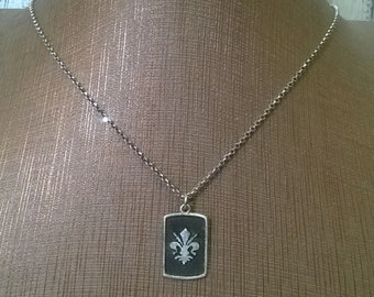 Pendant in silver with Lily of Florence
