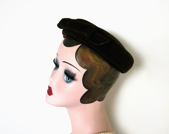 Vintage Dark Brown Mini Pillbox Hat w/Bow ~ Circa 1950's