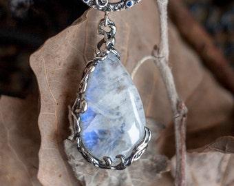 "Ready Moonstone Sapphire Silver Pendat ""Moon Penta"". Black Rhodium Silver, pentagrama Jewelry, Moonstone Pendant, Witch Pendant,Gift for her"