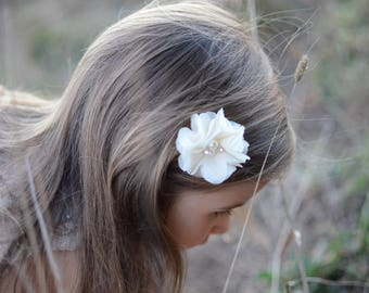 flower hair clip, baby hair clip,first communion, baby clips, clips, baby hair accessories, girls hair clips, girls hair accessories, bows