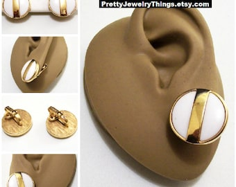 Avon White Disc Wide Band Clip On Earrings Gold Tone Vintage 1977 Summerset Large Buttons Raised Edge Brushed Backs