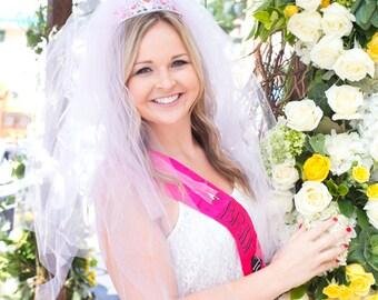 READY TO SHIP - Bachelorette Party Veil,Bridal Shower, Vegas style, extra full, extra pouffy veil, Fun Veil, Vegas Bride