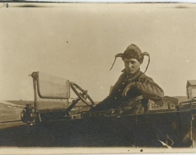Ear Flaps : Vintage Snapshot Photo, c1910s [84661]