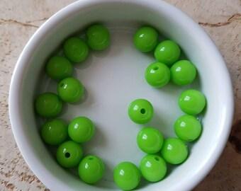 Set of 20 beads 10mm Apple green acrylic (P41)