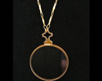 Antique opticians lense necklace-Victorian-glasses-optical-  27 inch-vintage chain-monocle-gold  metal #0.38