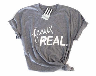 Hey, Penelope Feaux Real T-Shirt in Heather Grey