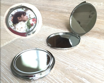 set of 5 Pocket mirrors with 5 stickers 5 cm