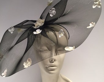 Black Fascinator for Derby Party- Kentucky Derby- Polo Match- Black Fascinator -NYC- Flower Fascinator -Big Hat Brunch- Black and white Hat