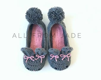 Bunnies for baby, child or woman slippers made in double crochet with soles